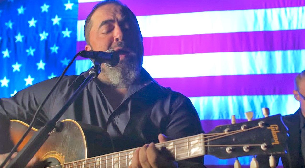 Modern country Songs | 'Whiskey And You' Goes Acoustic In Chill-Inducing Performance From Aaron Lewis | Country Music Videos
