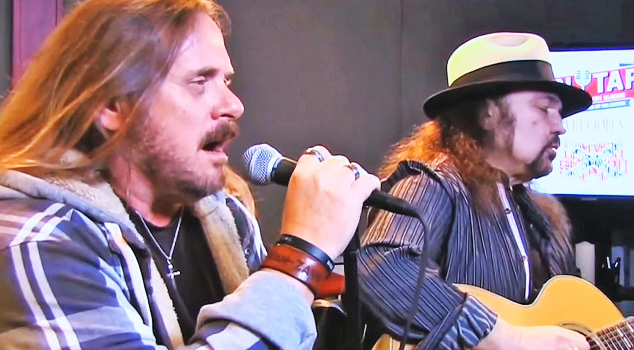 Ronnie van zant Songs | Acoustic Recreation Of Lynyrd Skynyrd's 'Poison Whiskey' Will Take You Back To The Bayou | Country Music Videos