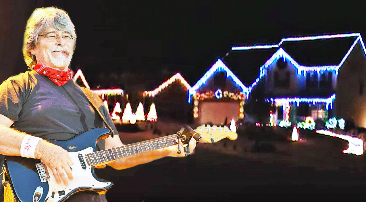 Alabama Songs | Christmas Lights Synced To 'Christmas In Dixie' Is Absolutley Breathtaking | Country Music Videos