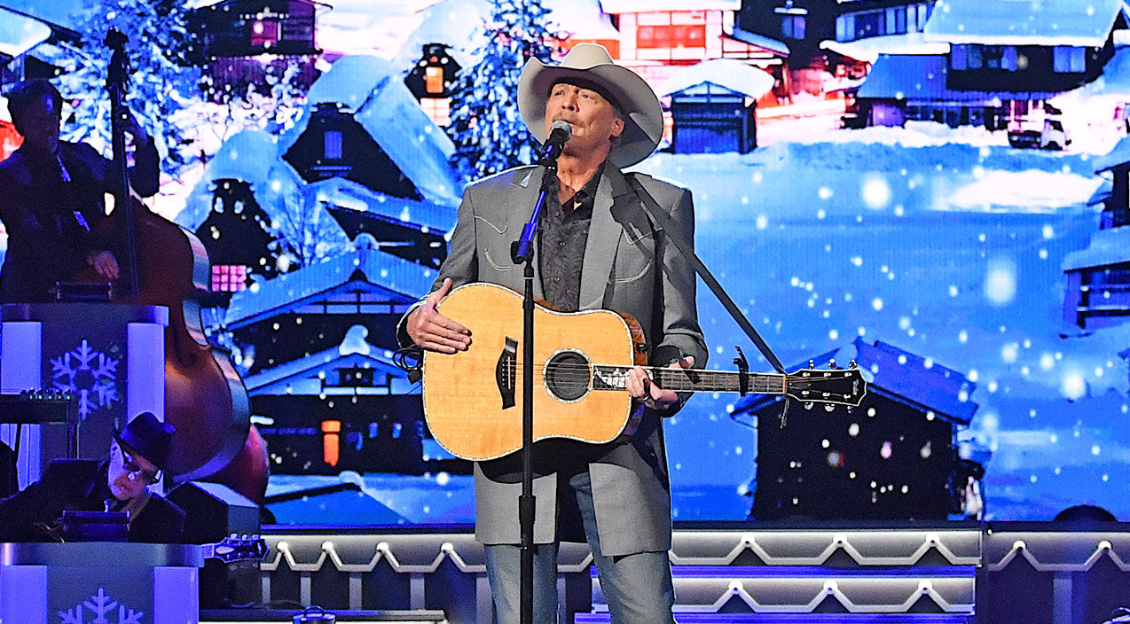 Alan jackson Songs | Classic Christmas Carol Gets Countryfied By Alan Jackson | Country Music Videos