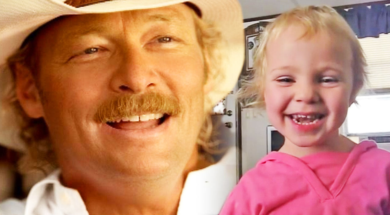 Alan jackson Songs | 3-Year-Old Little Girl Adorably Sings Alan Jackson's