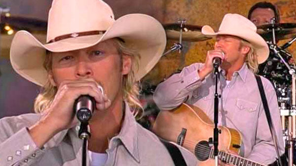 Alan jackson Songs   Alan Jackson - It Must Be Love (LIVE at Farm Aid 2000) (VIDEO)   Country Music Videos