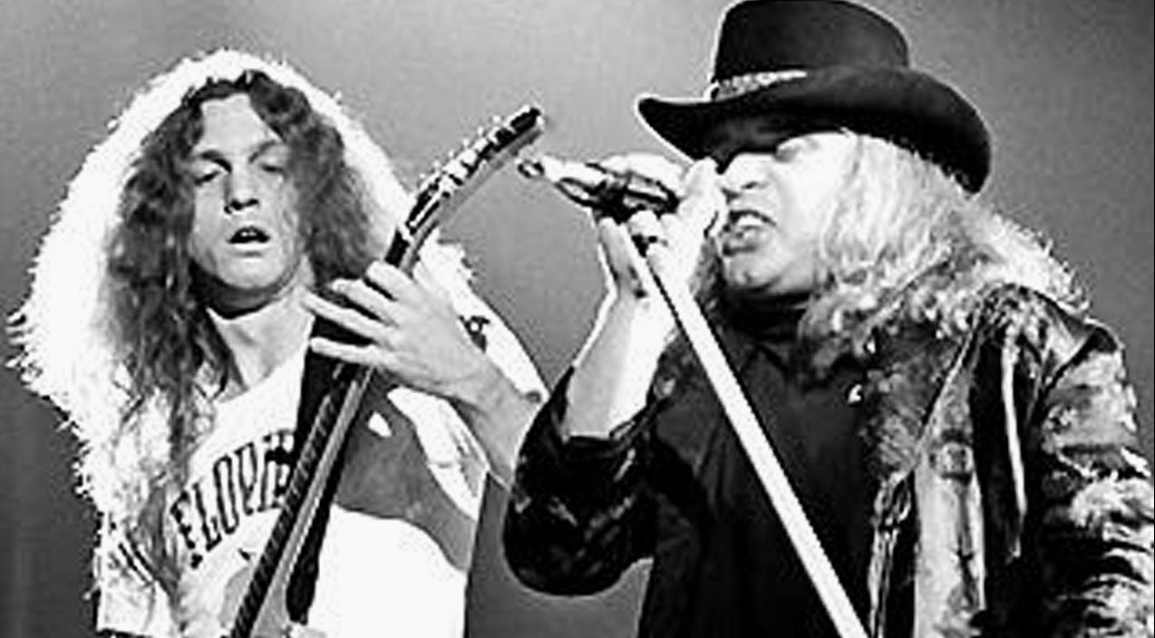 Rickey medlocke Songs | Skynyrd's Current Guitar Lineup Explains How Allen Collins Soared Through 'Free Bird' | Country Music Videos