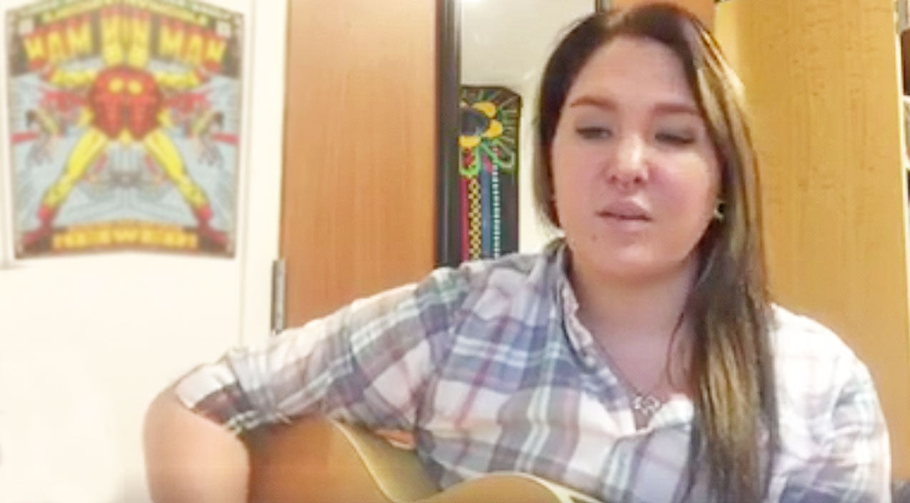 Kelly clarkson Songs | Garth Brooks' Daughter, Allie, Delivers Emotional Tribute To Kelly Clarkson's 'Piece By Piece' | Country Music Videos