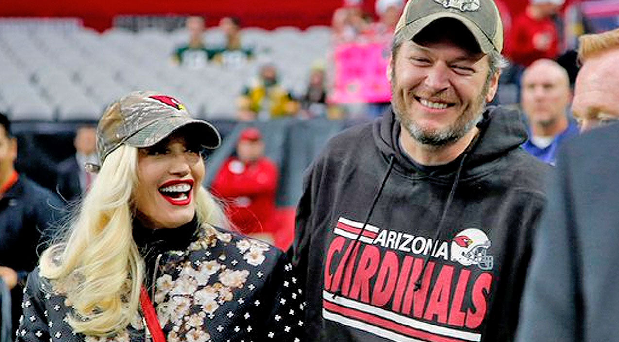 Gwen stefani Songs | Blake Shelton And Gwen Stefani Stole The Show During Football Game | Country Music Videos