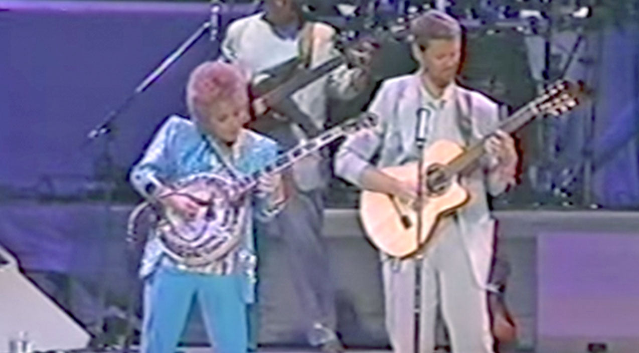 Barbara mandrell Songs | Barbara Mandrell Will Blow You Away With Her Pickin' Skills In 'Dueling Banjos' | Country Music Videos