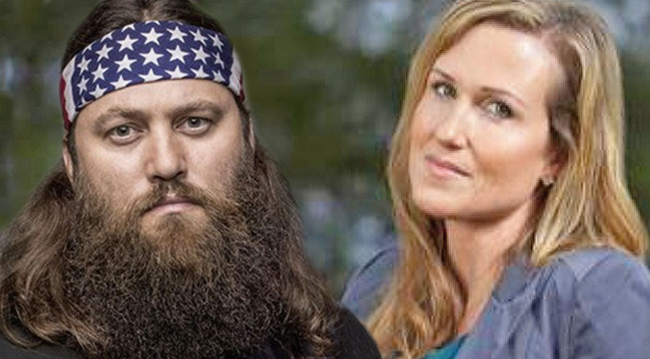 Duck dynasty Songs | The Robertson Couples Battle It Out In High Stakes Competition | Country Music Videos