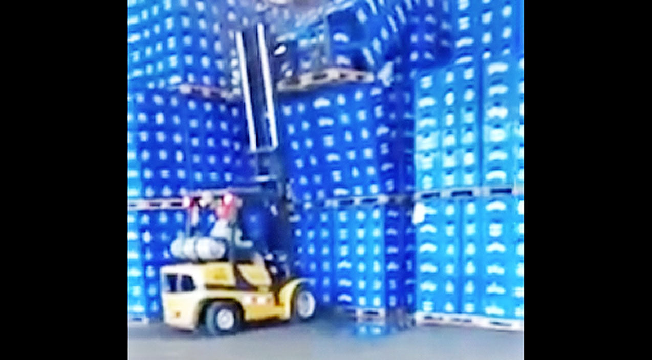 Forklifts Accidentally Spills A Ton Of Beer, And It's A Damn Shame | Country Music Videos