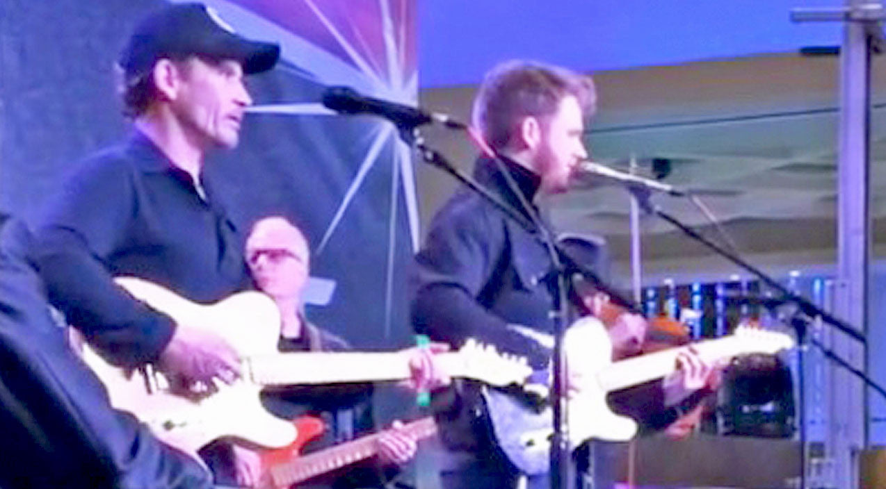 Noel haggard Songs | Merle Haggard's Two Sons Honor Him With Remarkable Tribute Performance | Country Music Videos