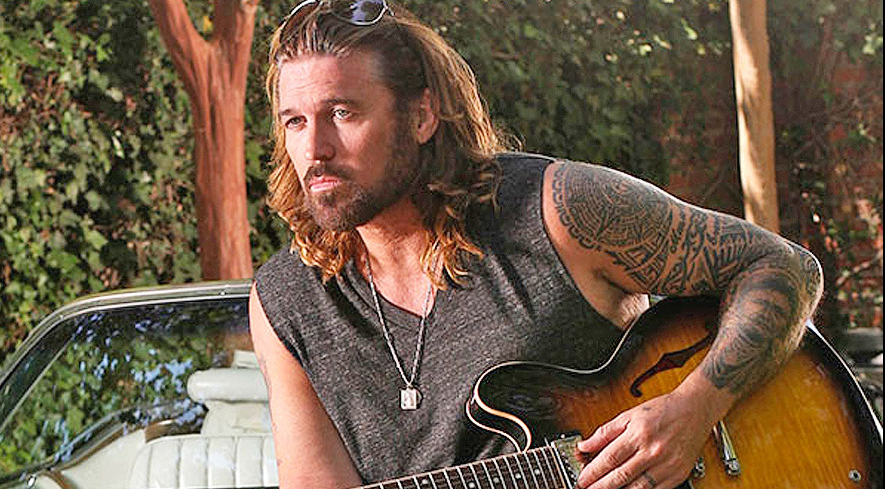 Loretta lynn Songs | Billy Ray Cyrus Joins Two Country Legends To Mourn The Loss Of Fellow Singers | Country Music Videos