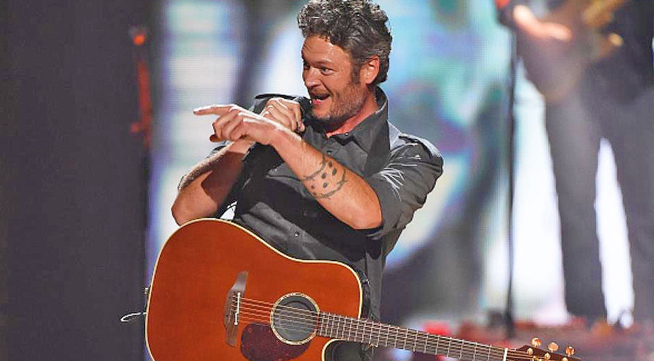 Blake shelton Songs | Blake Shelton Stops Show, The Reason Why? He's Never Seen THIS Before | Country Music Videos