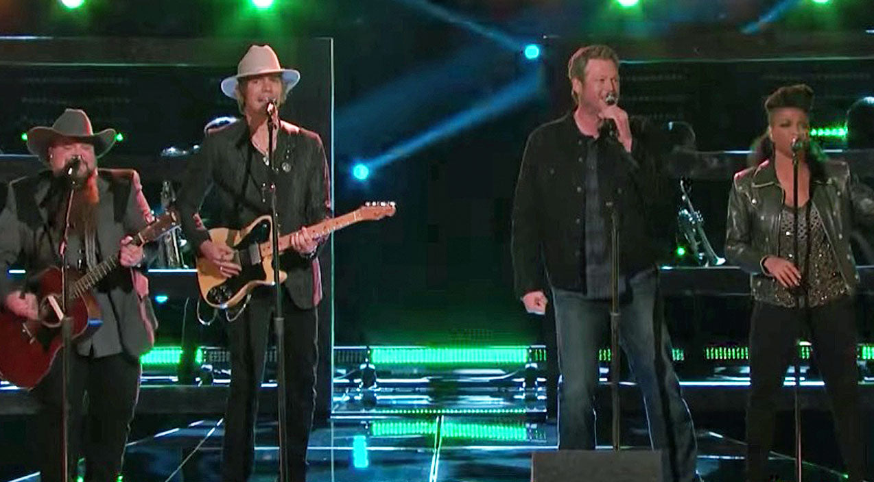 The voice Songs | Blake Shelton & His 'Voice' Team Bring Down The House With Hard Rockin' Performance | Country Music Videos