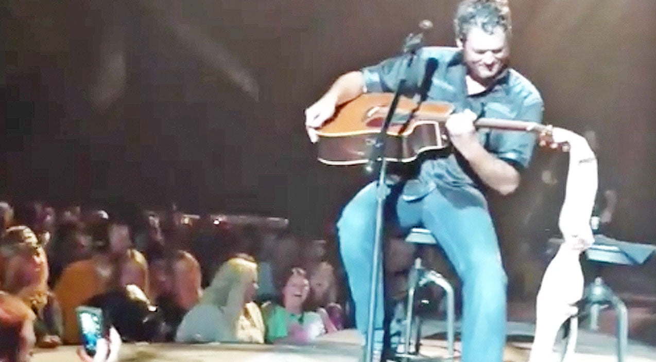 Modern country Songs | Blake Shelton Delivers Brutal Response To Unwanted Gift From A Fan | Country Music Videos