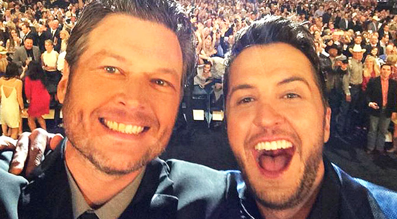 Luke bryan Songs | Luke Bryan & Blake Shelton Hug It Out at 50th ACM Awards (WATCH) | Country Music Videos