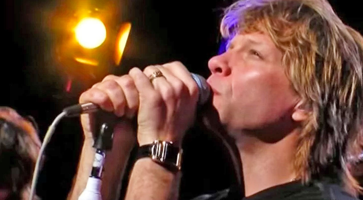 Leonard cohen Songs | Bon Jovi Bleeds Redemption In Unearthly Performance Of 'Hallelujah' | Country Music Videos