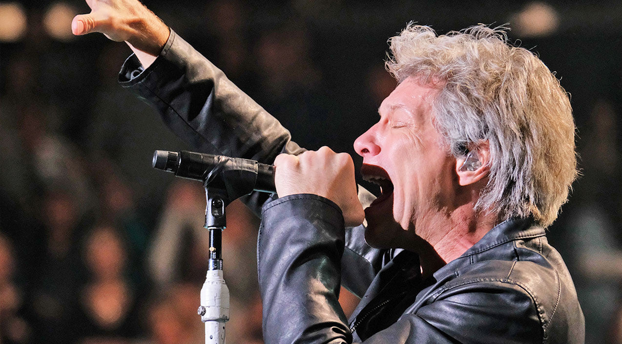 Jon bon jovi Songs | Jon Bon Jovi Makes Crowd Go Wild With Conway Twitty's 'It's Only Make Believe' | Country Music Videos