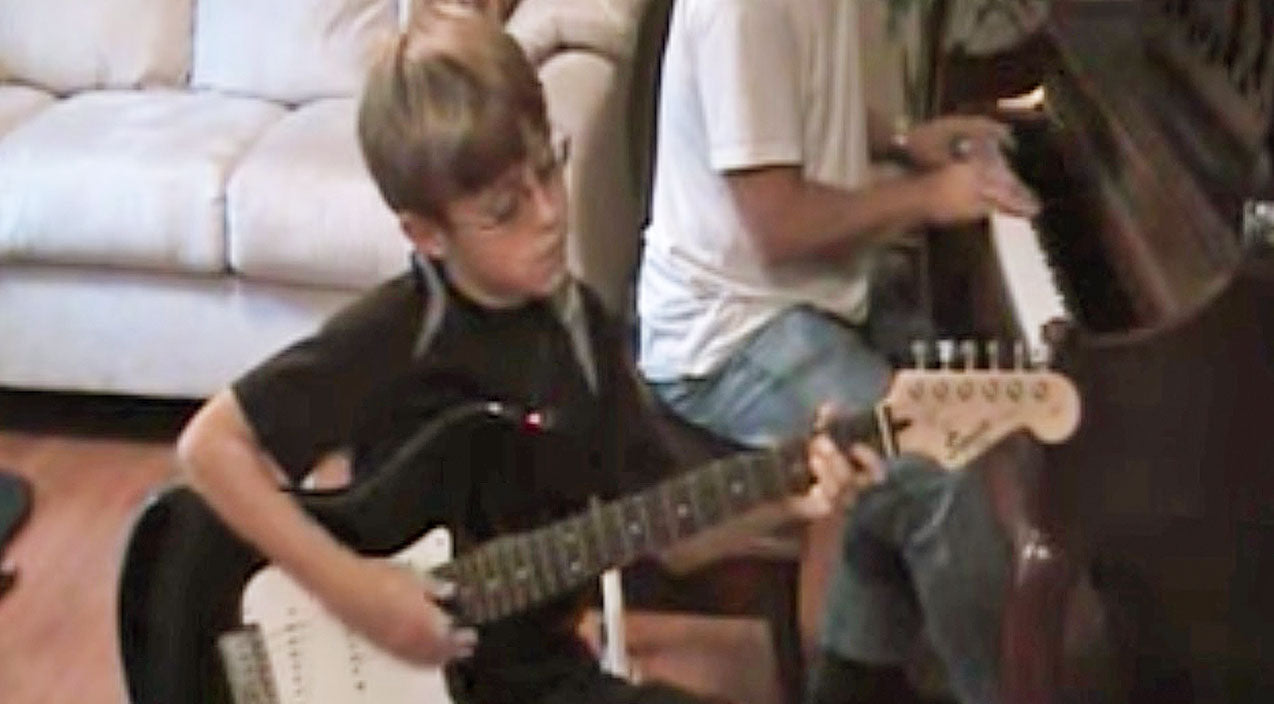 Lynyrd skynyrd Songs | Little Boy Gives 'Free Bird' An Epic Set Of Wings With Top-Notch Guitar Solo | Country Music Videos