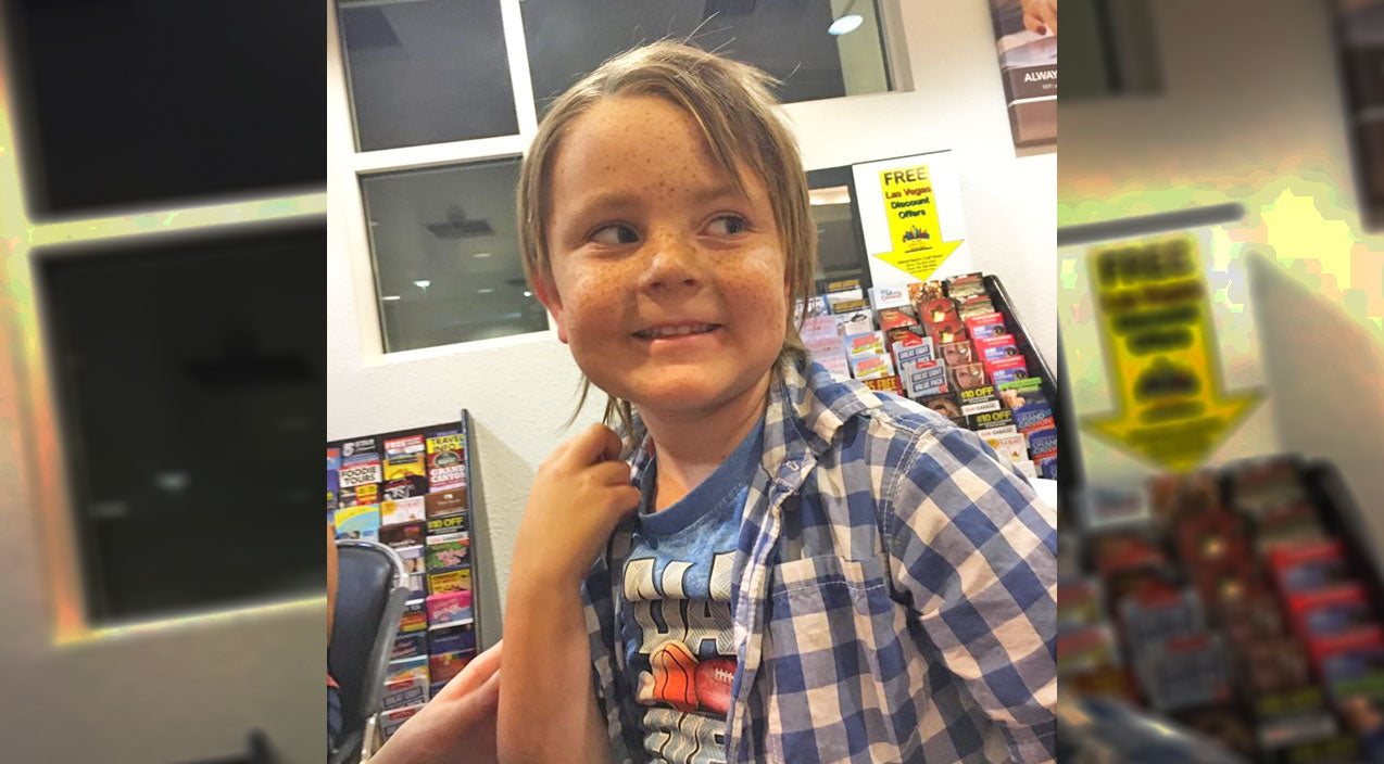 Stranger Helps 5-Year-Old Reunite With His Mom After Being Separated During Las Vegas Shooting | Country Music Videos