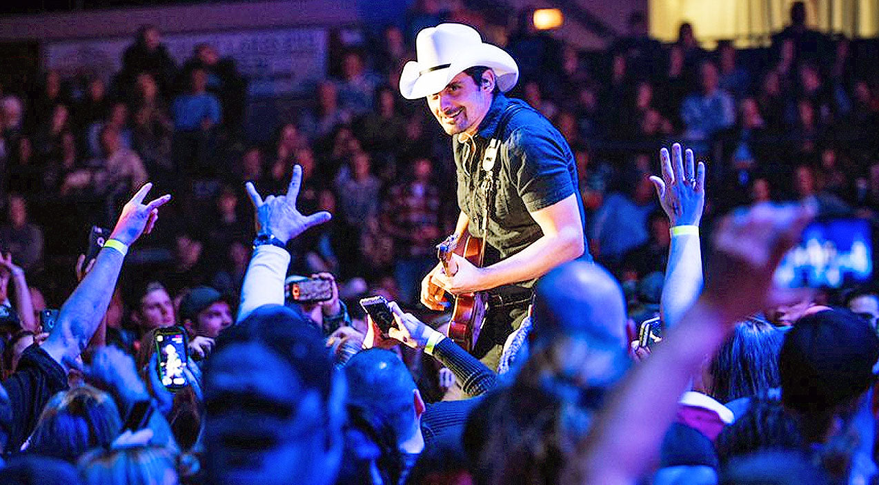Brad paisley Songs | Brad Paisley Helps Concertgoer With Romantic Surprise Proposal During 'She's Everything' | Country Music Videos
