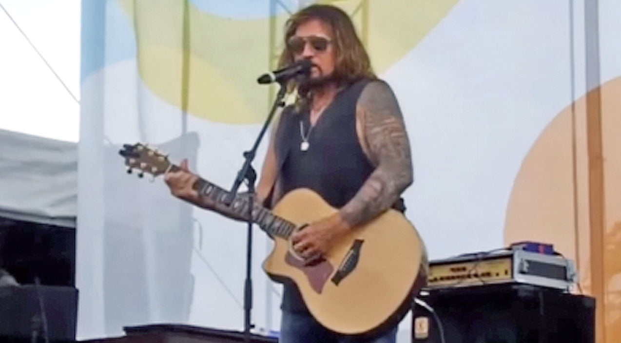 Billy ray cyrus Songs | Billy Ray Cyrus Performs Bluesy Version Of 'Amazing Grace' At CMA Fest | Country Music Videos