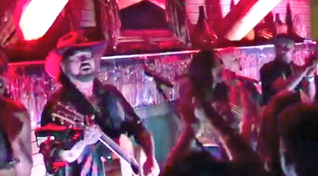 Demi lovato Songs | Billy Ray Cyrus Crashes Pop Star's Concert For Impromptu 'Achy Breaky Heart' Duet | Country Music Videos