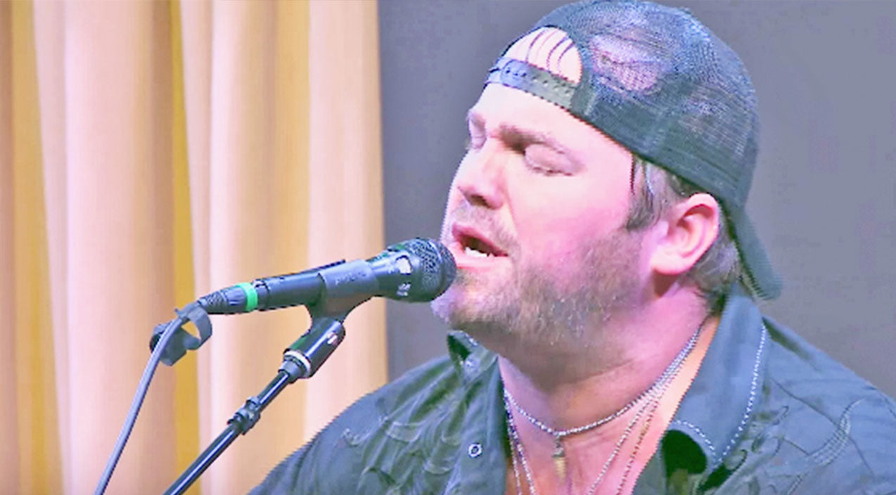 Lee brice Songs | Lee Brice Gives Garth Brooks A Run For His Money With Outstanding 'More Than A Memory' | Country Music Videos