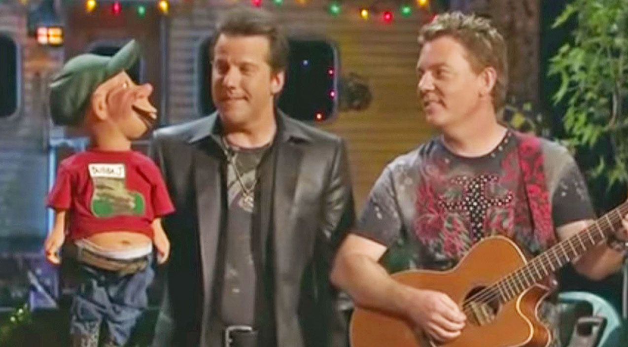 Jeff Dunham's Redneck Puppet Sings Wacky Christmas Carol That's Too Funny To Handle
