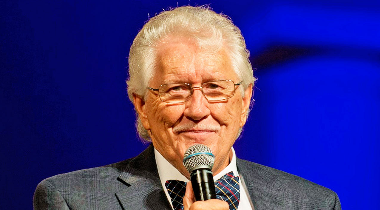 Beloved Gospel Patriarch Passes Away | Country Music Videos