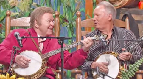 Roy clark Songs | Decades Later, Roy Clark & Buck Trent Reunite For 'Dueling Banjos' Performance | Country Music Videos