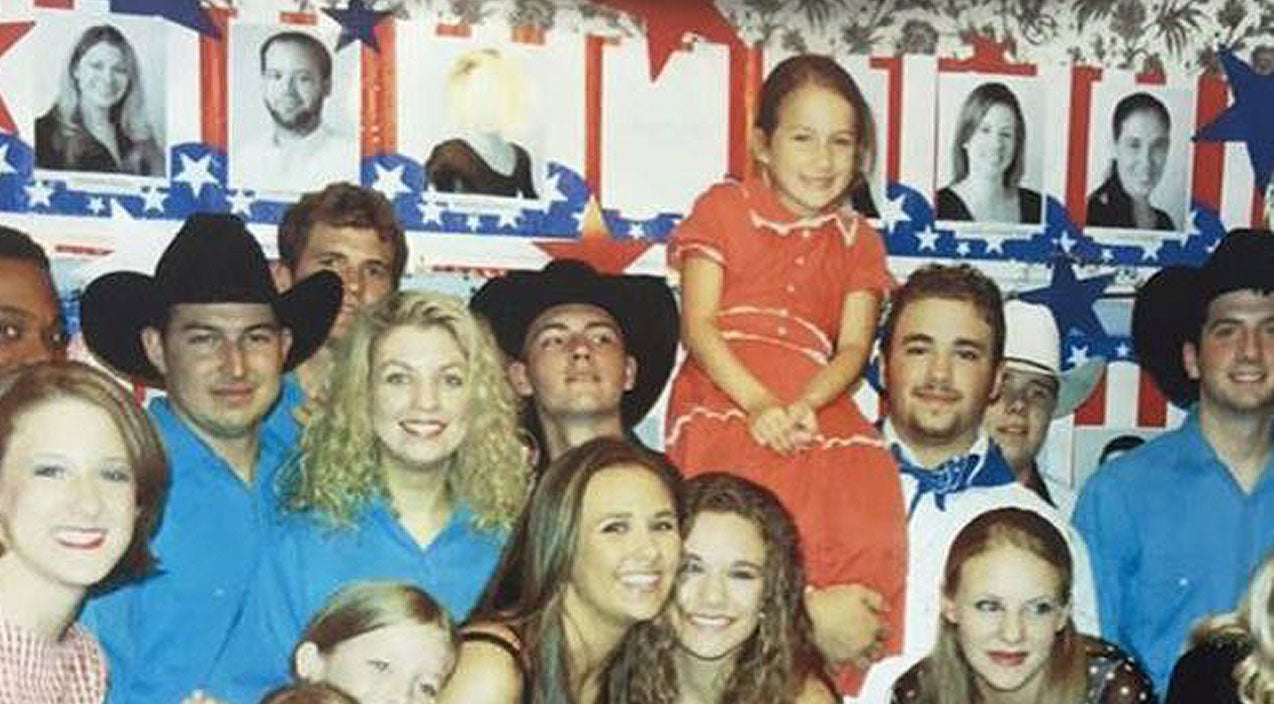 Carrie underwood Songs | Can You Spot Carrie Underwood In This Ultimate Throwback Photo?! | Country Music Videos