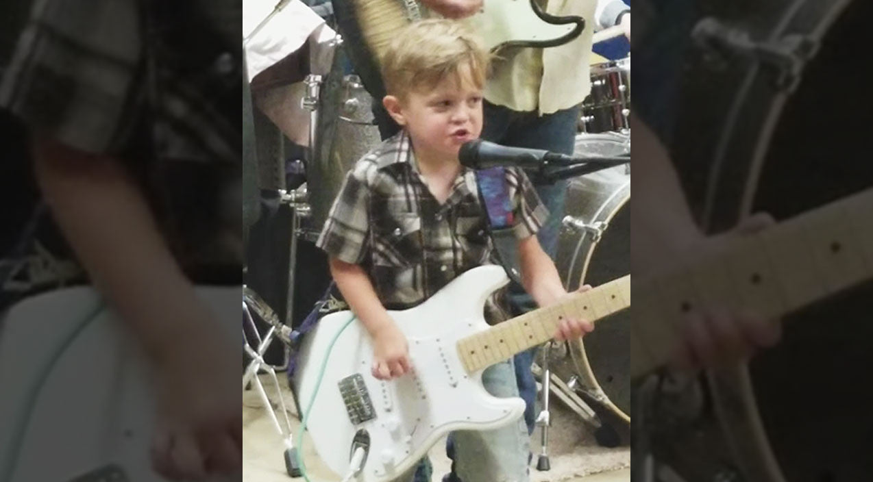 Johnny cash Songs   5-Year-Old Rocker Gives Adorable Performance To Johnny Cash Classic   Country Music Videos