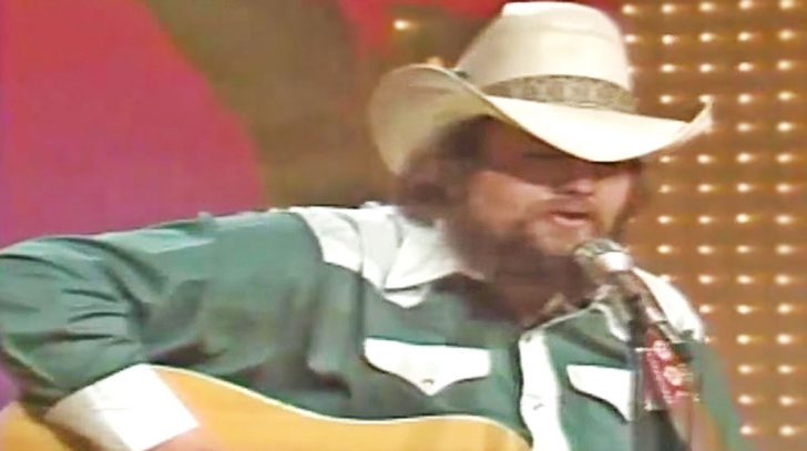 Charlie daniels Songs | Watch A Young Charlie Daniels Flawlessly Sing One Of His Earliest Hits | Country Music Videos