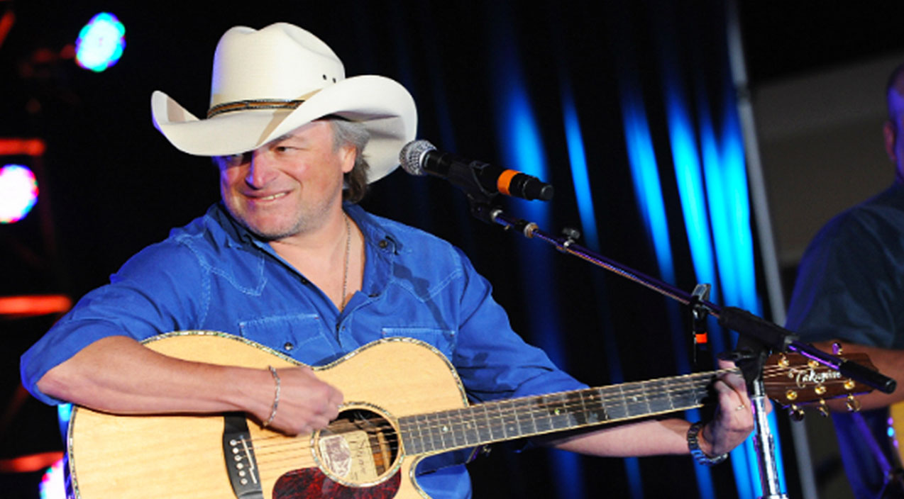 Mark chesnutt Songs | Mark Chesnutt Hysterically Talks About 'The Big D', And He 'Don't Mean Dallas' | Country Music Videos