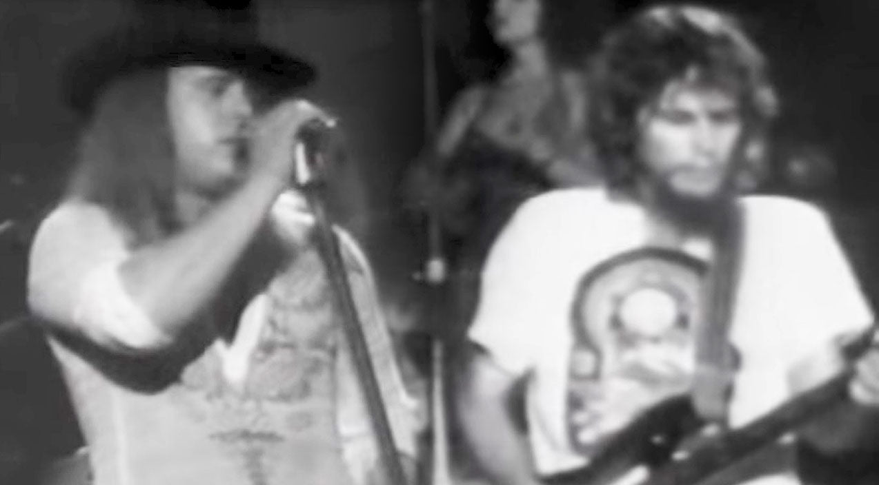 Lynyrd skynyrd Songs | Old School Footage Of Skynyrd Singing 'That Smell' Will Chill You To The Bone | Country Music Videos