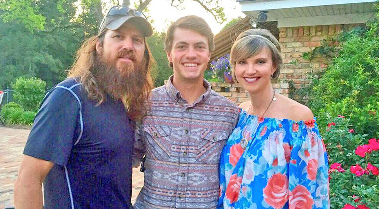 Missy robertson Songs | After Taking Semester Off, Jase and Missy Reveal Where Youngest Son Will Attend College | Country Music Videos