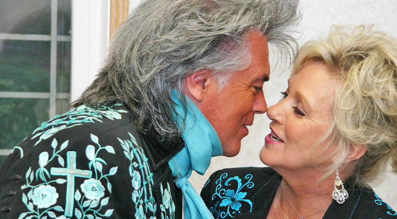 Marty stuart Songs | Marty Stuart And Connie Smith's Romantic Duet Shows Just How Much They Love Each Other | Country Music Videos