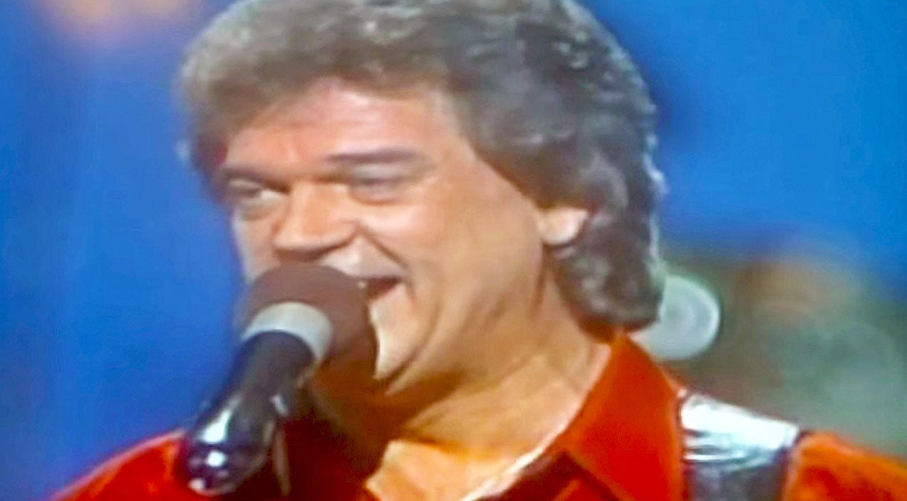 Conway twitty Songs | RARE FOOTAGE: Conway Twitty Turns On The Charm In Swoon-Worthy Performance Of 'Slow Hand' | Country Music Videos