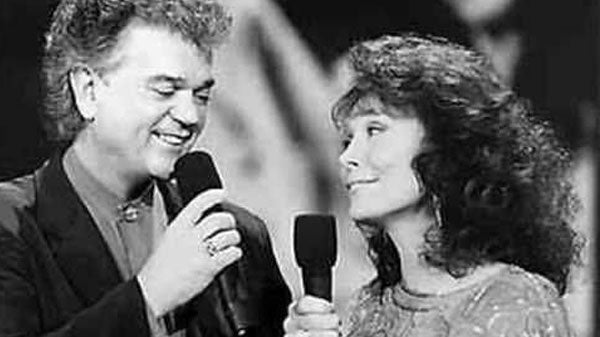 Conway twitty Songs | Conway Twitty - An Old Memory Like Me (1993) (Live) (WATCH) | Country Music Videos