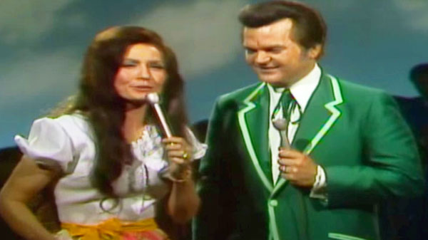 Conway Twitty & Loretta Lynn - Easy Lovin' (VIDEO) | Country Music Videos