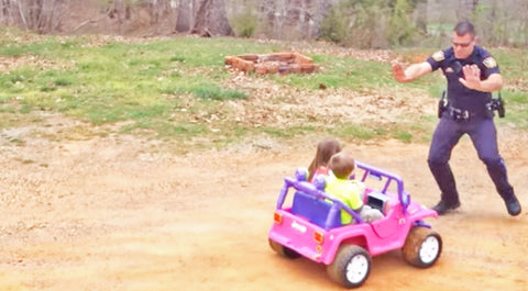 Cop Stops Pink Buggy...What The Driver Says To Him?? UNBELIEVABLE!! | Country Music Videos