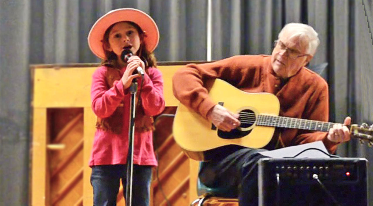 Willie nelson Songs | 6-Year-Old Cowgirl Sings The Cutest Rendition Of 'Mammas Don't Let Your Babies Grow Up To Be Cowboys' | Country Music Videos