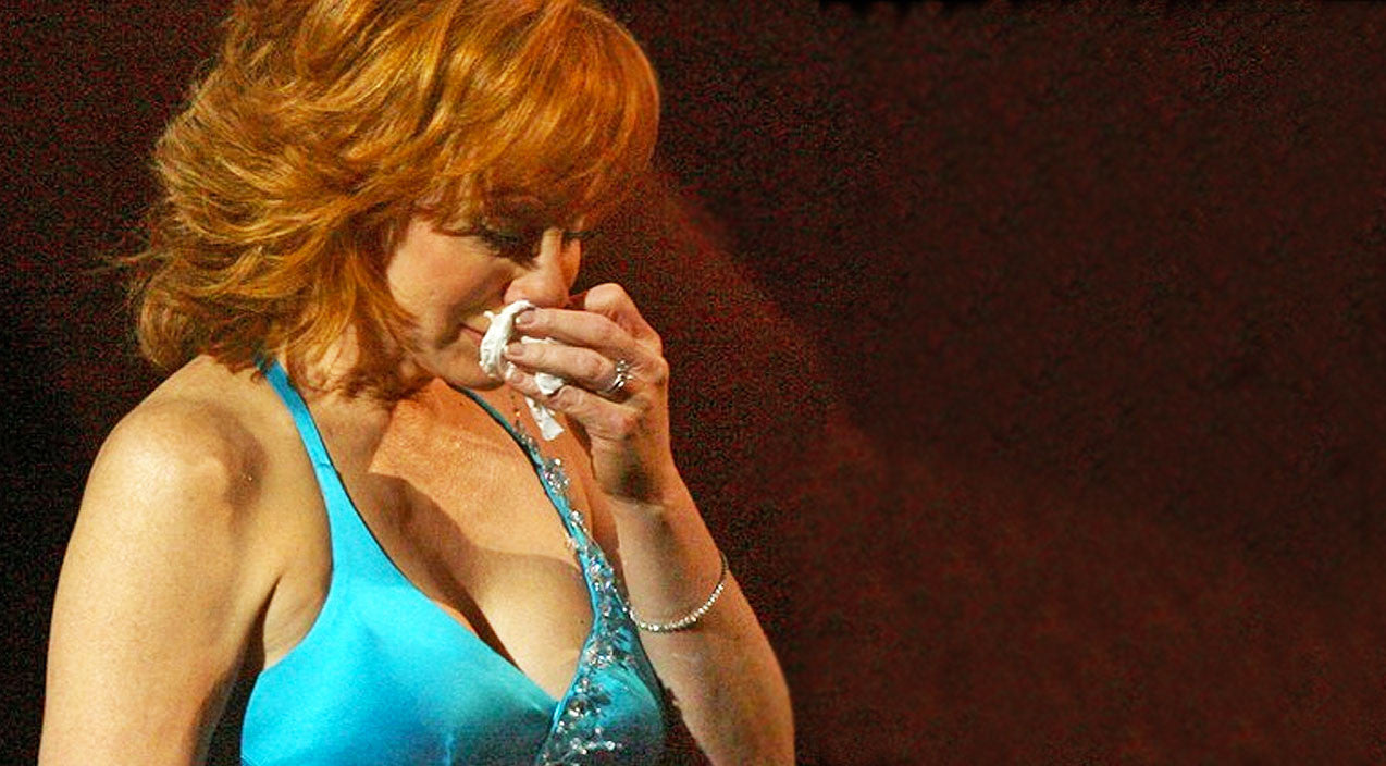 Reba mcentire Songs | Reba Brought To Tears By A Capella Performance Of Chilling Gospel Song | Country Music Videos