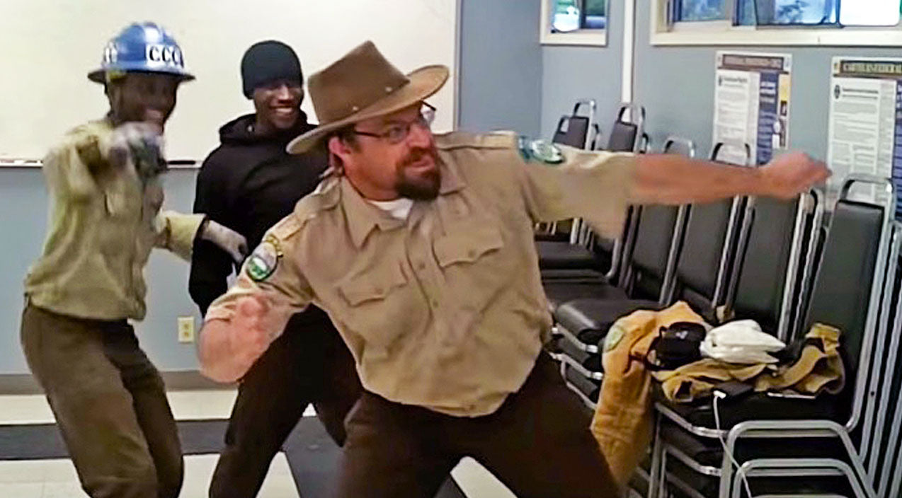 Park Rangers Have A Dance Off... And The Winner Will Leave You Speechless! | Country Music Videos