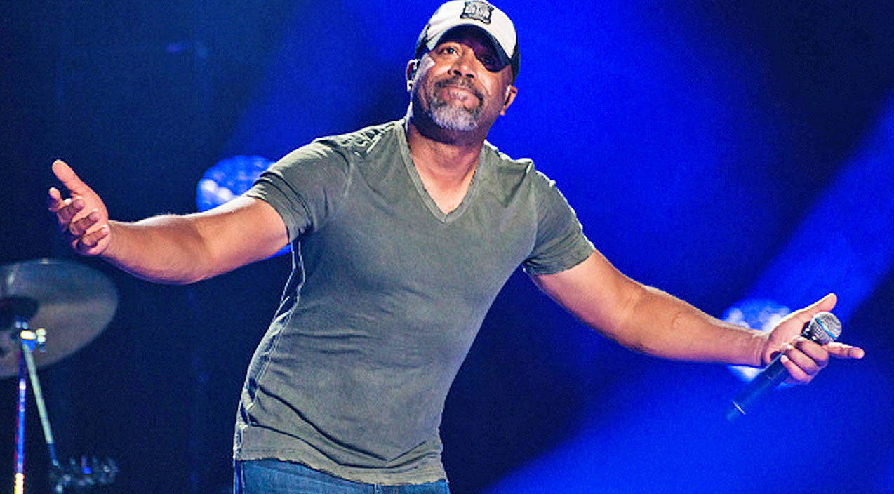 Darius rucker Songs | Listen To Darius Rucker Finding Out Family Portrait Is Being Illegally Used | Country Music Videos