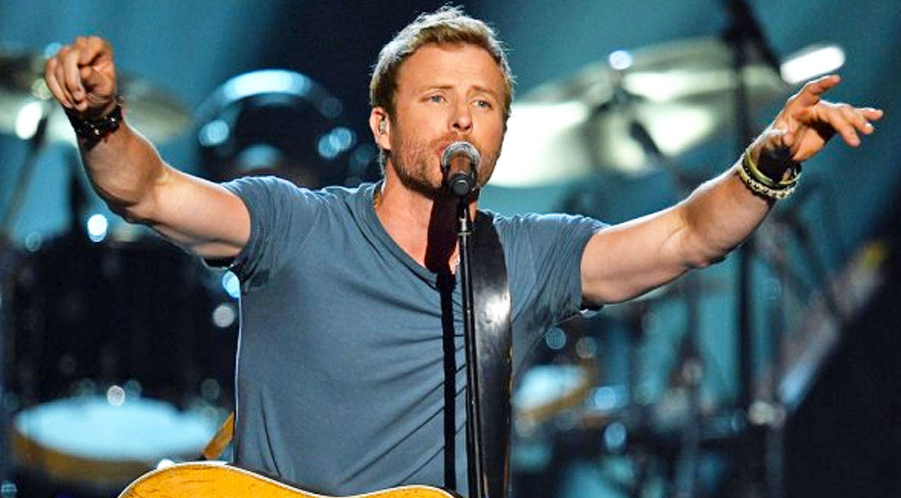 Modern country Songs | FLASHBACK: Dierks Bentley Rocks The 2014 CMA's With 'Drunk On A Plane' | Country Music Videos