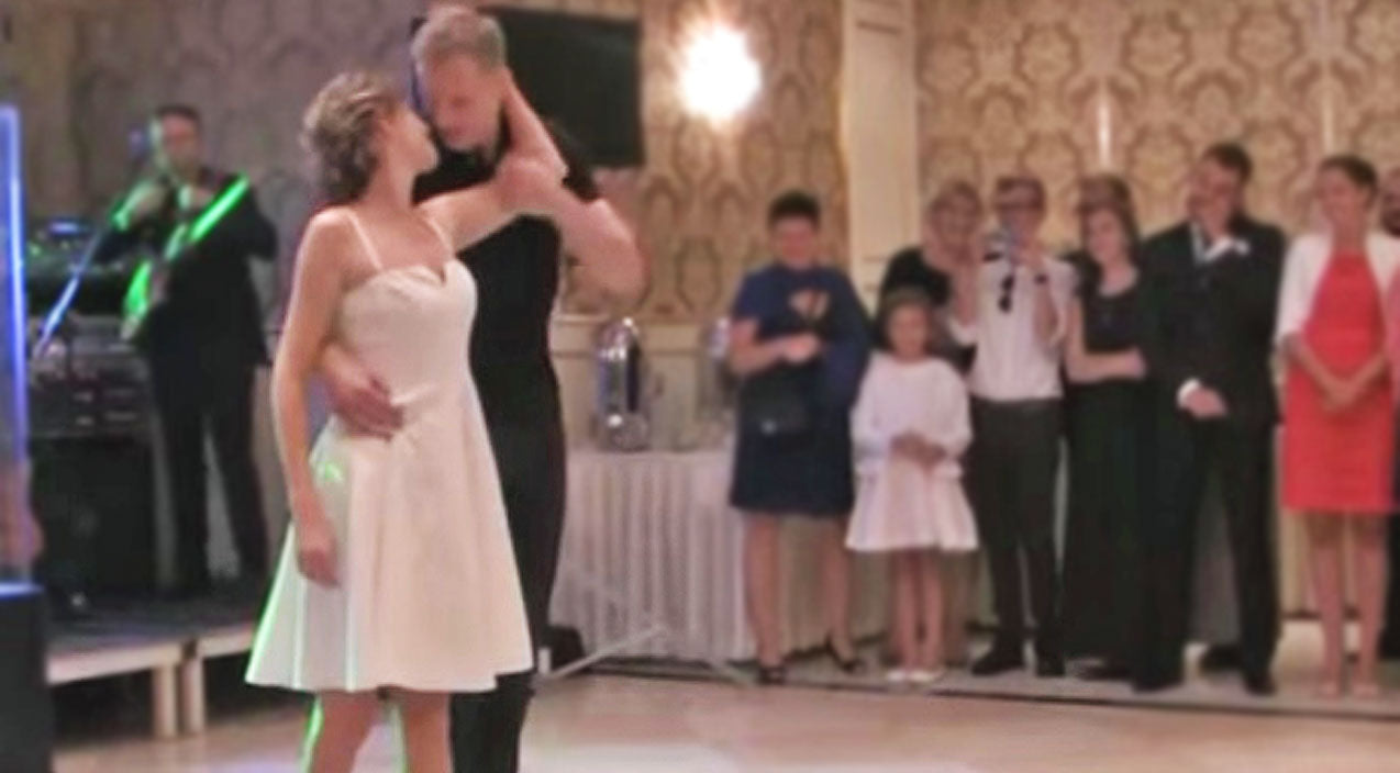 Bride Groom Channel Dirty Dancing For The Most Extraordinary Wedding Dance Youll Ever See