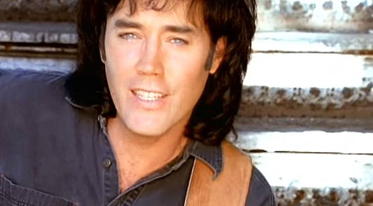 David lee murphy Songs | David Lee Murphy Performs Toe-Tapping #1 Hit 'Dust On The Bottle' | Country Music Videos