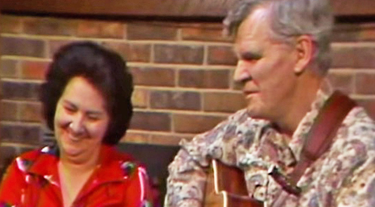 Doc watson Songs | CLASSIC: Doc Watson Brags About His Beautiful Wife, Always Knew She Was A 'Sweetheart' | Country Music Videos