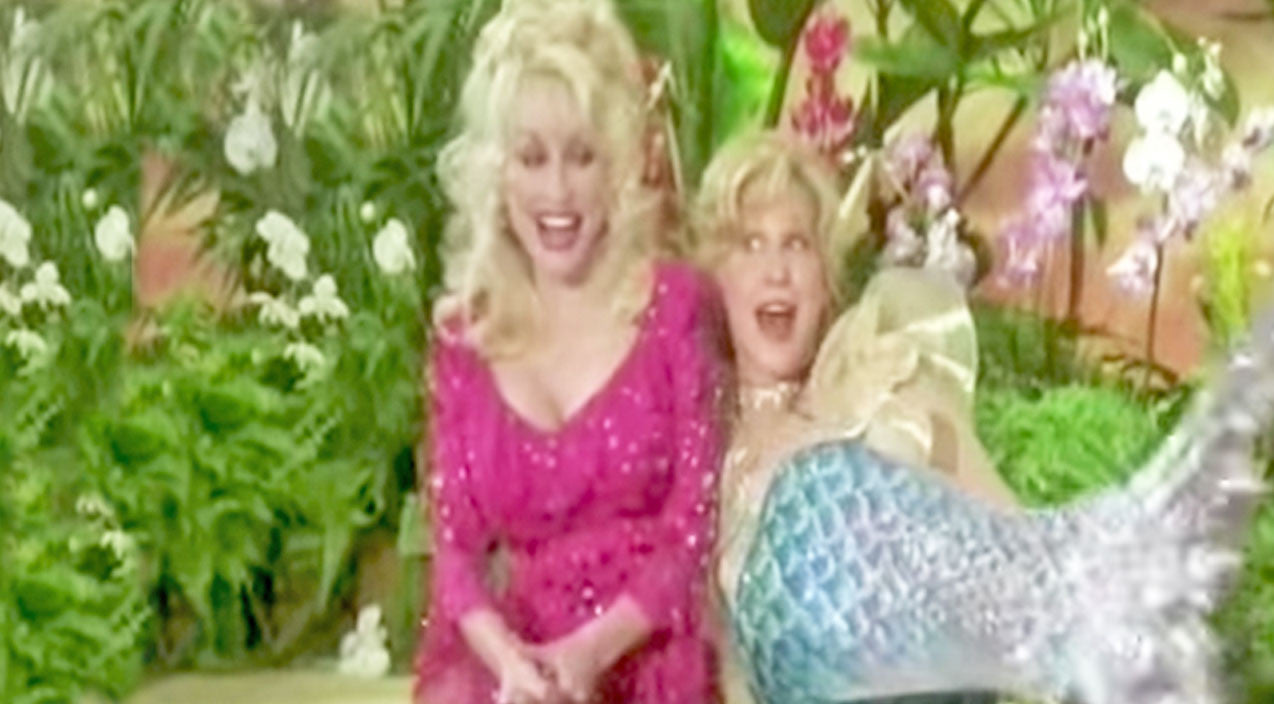 Dolly parton Songs   Dolly Parton And Bette Midler Perform Hysterical Version Of 'Islands In The Stream'   Country Music Videos