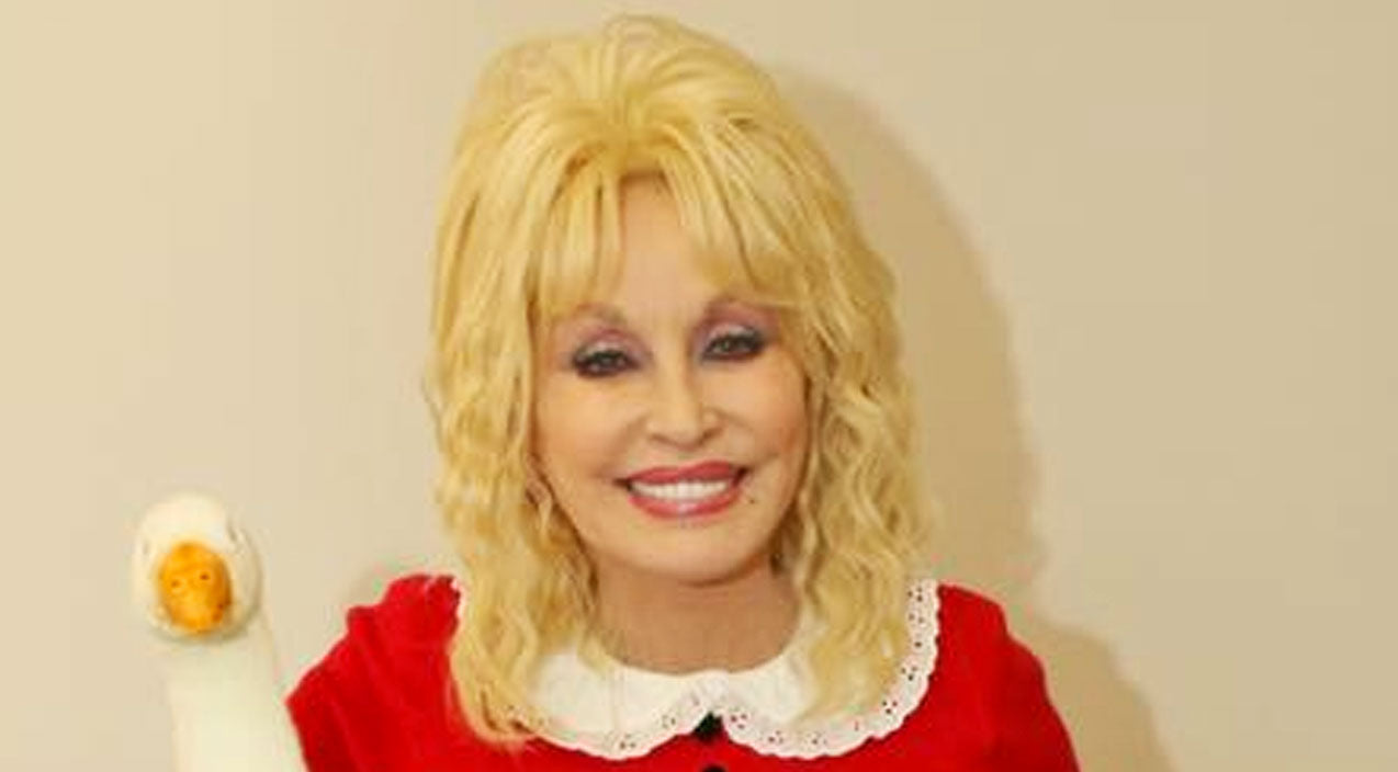 Dolly parton Songs | Dolly Parton Dresses Up As 'Willy Wonka' Character For Halloween | Country Music Videos